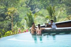 Sunken pool bar with model